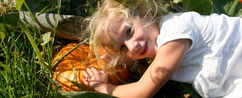 PageLines- CCG_SustainableCAPE_GirlwithPumpkin.jpg